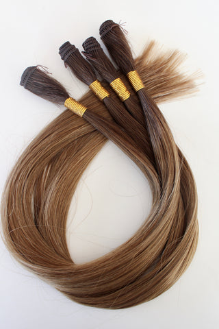 "18"" Hand Tied Wefts - 8WB (Warm Light Brown)"