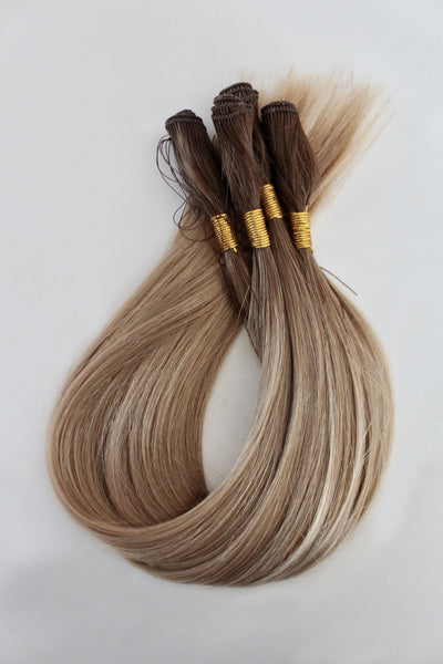 "22"" Hand Tied Wefts - 9WBL (Warm Dark Blonde)"