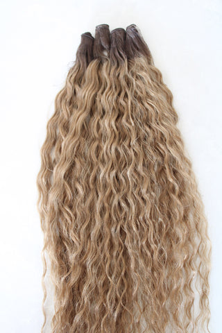"22"" Hand Tied Wefts - Deep Wave - 8WB (Warm Light Brown)"