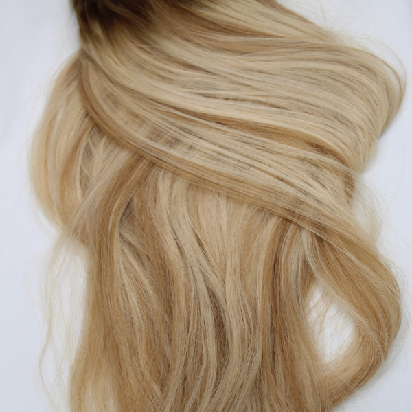 "22"" Hand Tied Wefts - 10/8 WBL (Warm Blonde Mix)"
