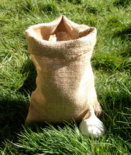 Load image into Gallery viewer, Small Hessian Sack 20 x 30cm Garlic Shallots Onion Storage Bag 8.9oz grade
