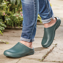 Load image into Gallery viewer, Briers Green Lightweight and Slip-Resistant Clogs