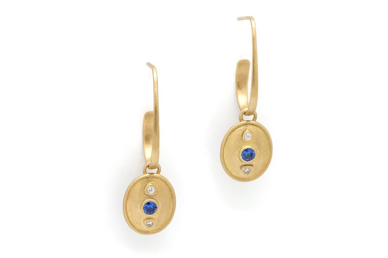 Tony Malmed, contemporary jewelry, 18kt gold, recycled metals, ceylon sapphires, diamonds, fine jewelry, earrings, conflict-free, handmade, hammered finish, santa fe style