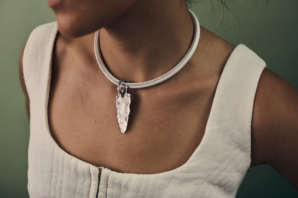Lg Arrowhead Notched Choker Necklace