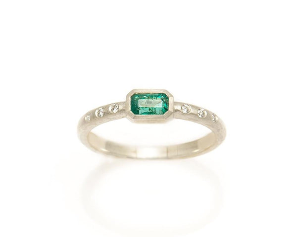 Tony Malmed, contemporary jewelry, 18kt gold, recycled metals, faceted emerald, diamonds, fine jewelry, ring, conflict-free, handmade, hammered finish, santa fe style