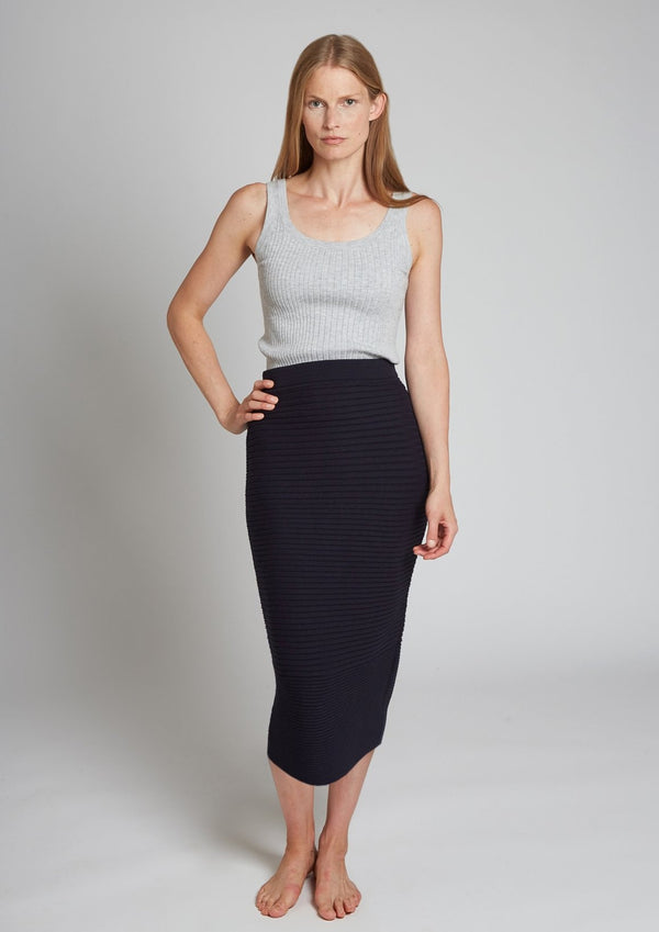LONG SLIM SKIRT