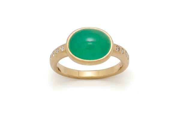 Emerald Cabochon and Diamond Ring in 18kt Gold