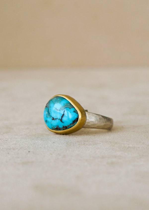 8.64 ct Bisbee Turquoise Ring 18kt & Sterling
