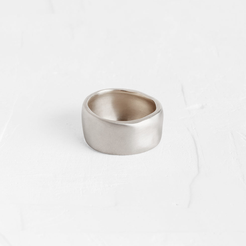 Over Sized Wavy Ring in White gold
