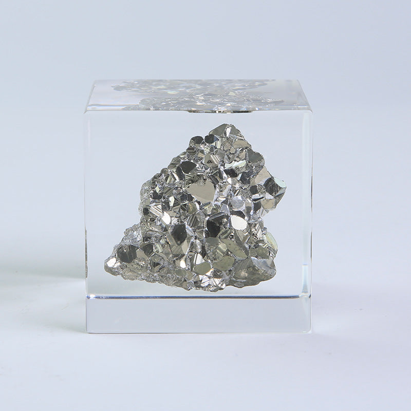 Sola Mineral Cube