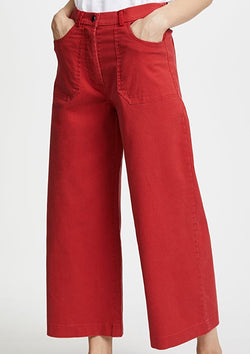 Simone Jeans, Red
