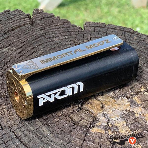 The Atom 21700 Mech Mod is Immortal Modz smallest and lightest mod ever! The Atom is a clip activated device. Yes! This mod will clip to your jeans! The clip is brass with copper contacts and copper battery door.