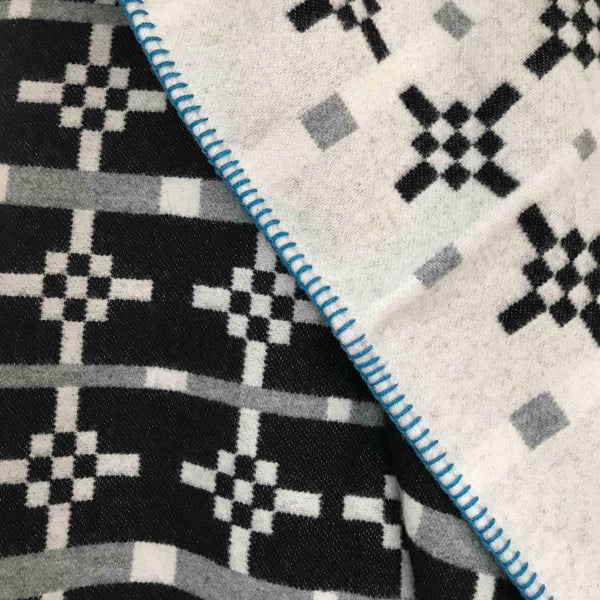 Hygge Wool Blanket - Black and Grey - White Space Home