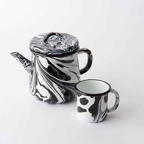 Bornn - Black and White Enamel Teapot - Whitespacehome