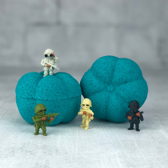 Surprise Pumpkin Bath Bomb - Blue Hawaiian | 5.5 oz