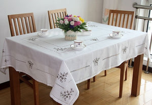 New White Delicate Hemstitch Embroidery Tablecloth Elegant Embroidered Table Cloth Overlays Home Decor Towel Textiles