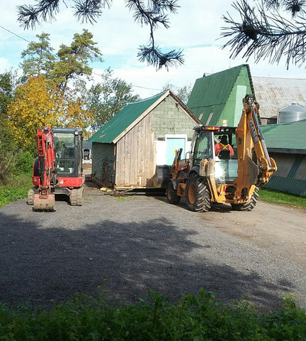 Moving the old wool shed at topsy farms