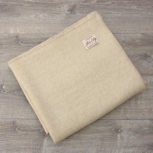 Topsy Farms 100% Canadian Alpaca Wool Blend Blanket - natural white