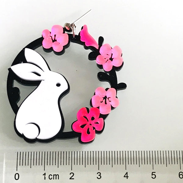 White Rabbit On The Wreath