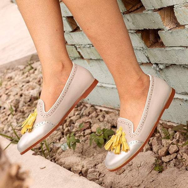 Woman Tassel Hollow-Out Color Block Flat Loafers