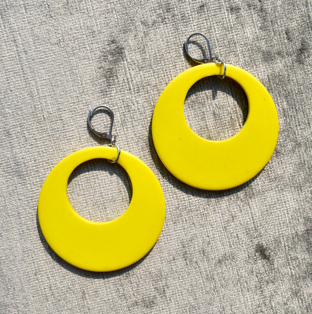 1980s Bright Yellow Dangly Earrings
