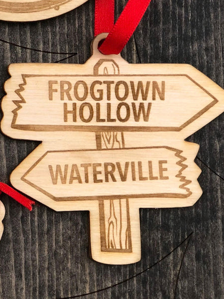 """Frogtown Hollow / Waterville"" arrow, directional sign."