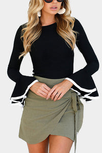 Round Neck  Contrast Trim  Plain  Bell Sleeve Sweaters