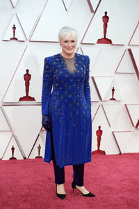 Glenn Close in an Armani tunic and pants at the Oscars: looks comfortable