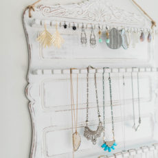 When it comes to crafting, one of our favourite things to make is jewelry