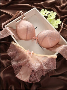 Europe and the United States fashion France lace sexy thin burst deep V burst models retro color BCD cup bra set