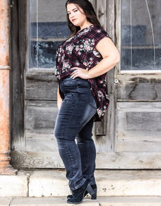 Plus size black wash boyfriend distressed jeans