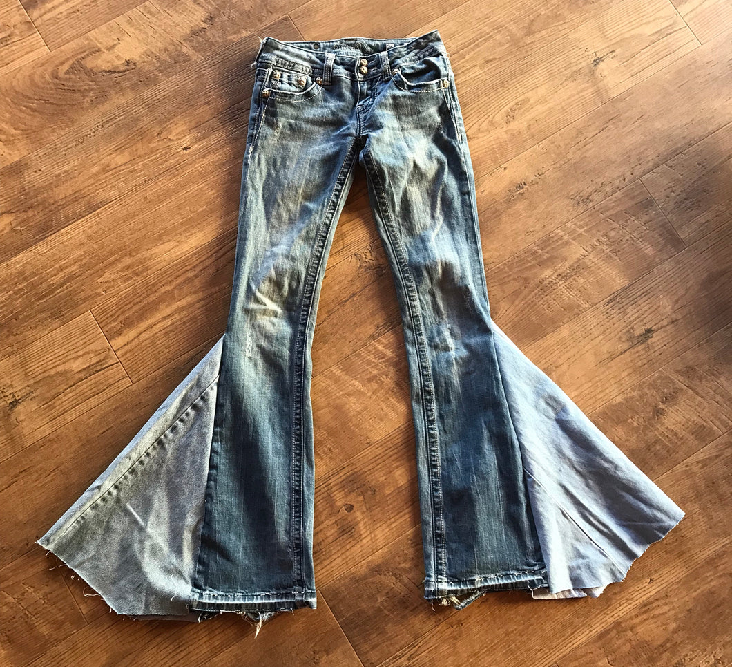 TJ Miss Me size 26 denim bell bottom jeans