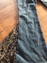 Load image into Gallery viewer, TJ Paisley Printed Bell Bottom Flare Jeans Size 10