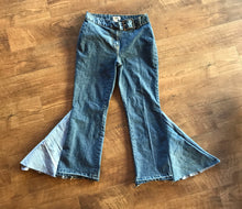 Load image into Gallery viewer, TJ Retro St Johns Bay Belted High Waisted Flare Jeans Size 12 Petite