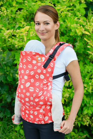 Half Toddler WC Carrier - The Ravishing Kiss - Baby Tula