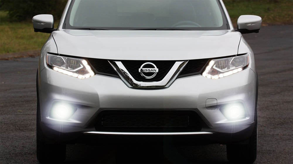 Xenon White Projector LED Fog Light Kit For 2014-up Nissan Rogue (X-Trail), Includes LH RH 15W CREE XB-E LED Fog Lamps, Garnish Bezel Covers & Relay Wiring On/Off Switch-iJDMTOY