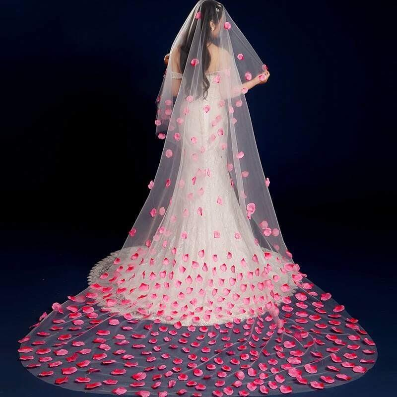 3 Meter Red Ombre Rose Petal Veil