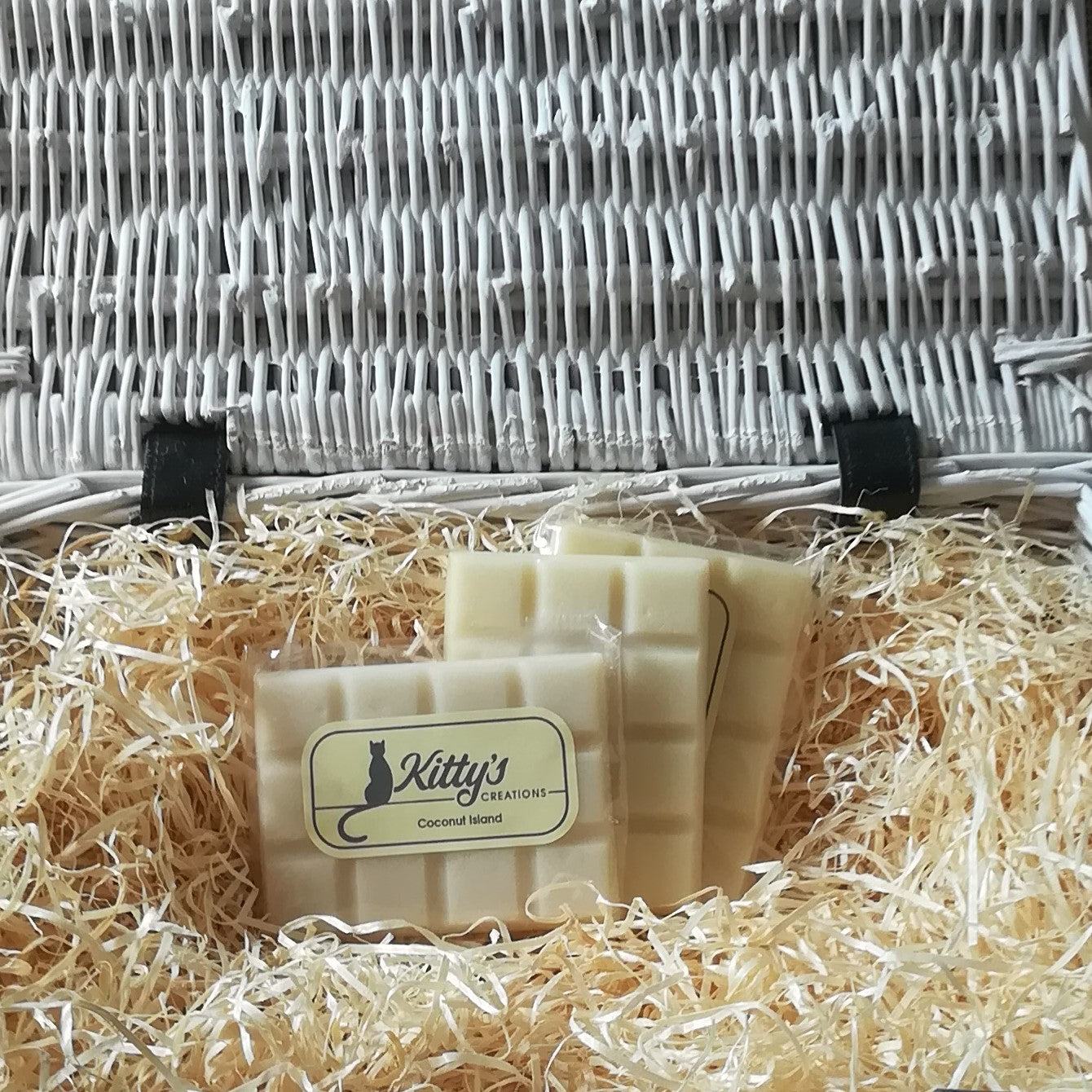 coconut island fragranced wax melt. Natural color soy wax