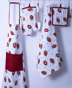 Purchase casa decors set of apron oven mitt pot holder pair of kitchen towels in a unique berry blast design made of 100 cotton eco friendly safe value pack and ideal gift set kitchen linen set