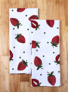 Order now casa decors set of apron oven mitt pot holder pair of kitchen towels in a unique berry blast design made of 100 cotton eco friendly safe value pack and ideal gift set kitchen linen set