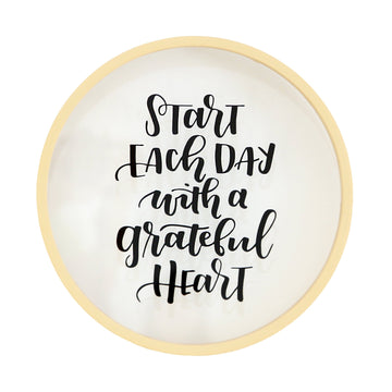 A Grateful Heart Round Glass Frame