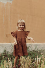 Load image into Gallery viewer, OAK MEADOW KIDS - EARTH BROWN FRILL SMOCK