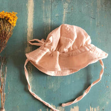 Load image into Gallery viewer, OAK MEADOW KIDS - PEACHY CREME SUN HAT
