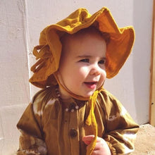 Load image into Gallery viewer, OAK MEADOW KIDS - 'MAGIC ISLE' - TURMERIC GOLD SUN HAT