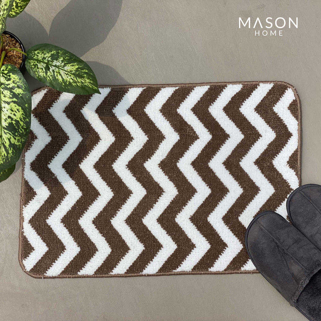BATH MAT - BROWN AND WHITE ZIGZAG