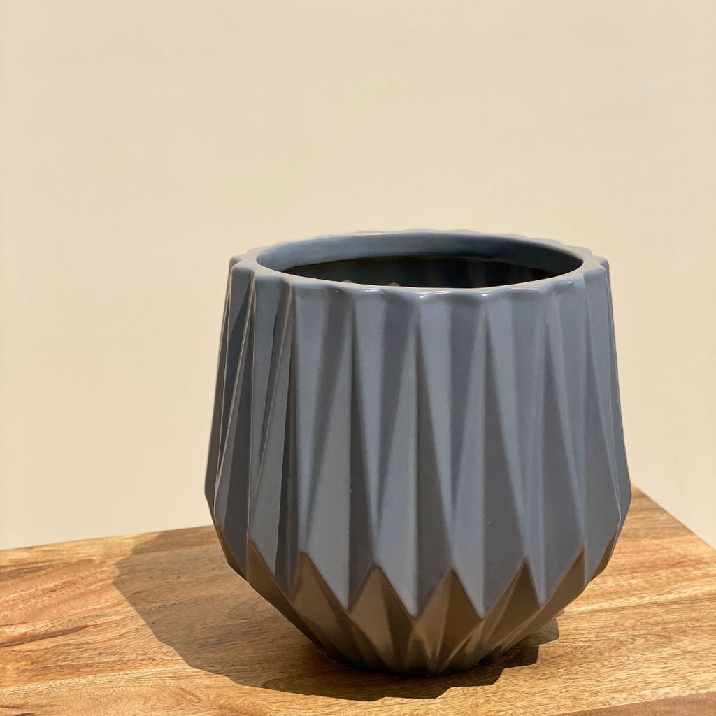RIDGED CERAMIC POT IN GREY - SMALL - Mason Home by Amarsons - Lifestyle & Decor