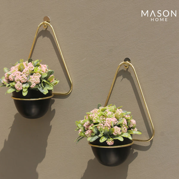 TRIANGULAR HANGING PLANTER BLACK/GOLD - SET OF 2