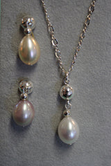Pearl Drop Necklace Set