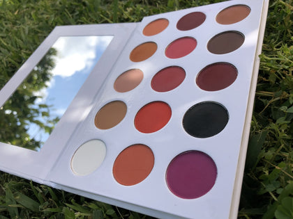 MS.SILVER 15 COLOR MATTE EYESHADOW PALETTE