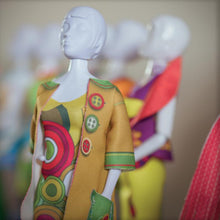 Incarca imaginea in Galeria de imagini, Set de croitorie hainute pentru papusi Couture Betty Funky, Dress Your Doll